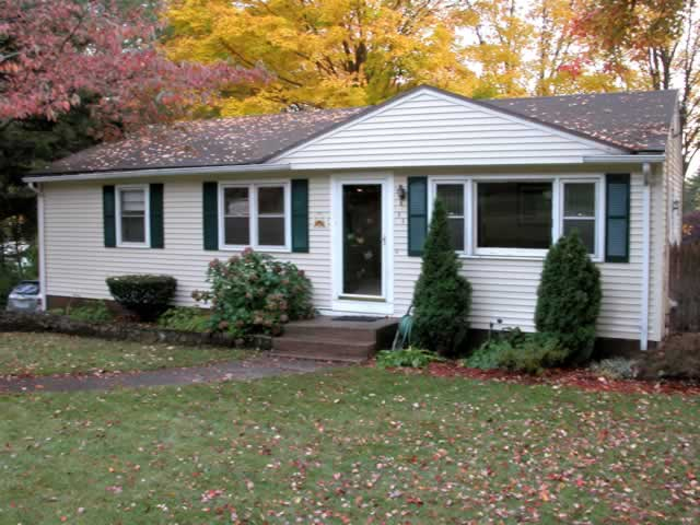 Connecticut Gutter Cleaning Professionally Done Insured